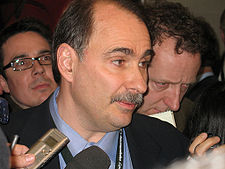 225px-david_axelrod_at_cleveland_democratic_debate